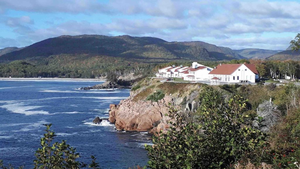 Keltic Lodge perched on the cliffs overlooking the ocean