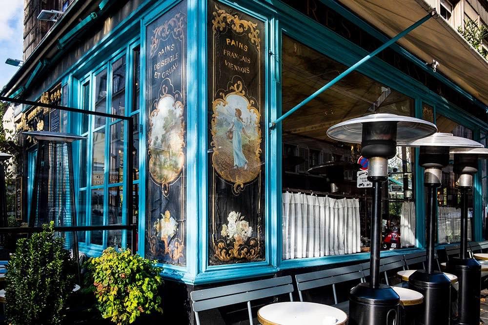 Chez Julien exterior shot in summer