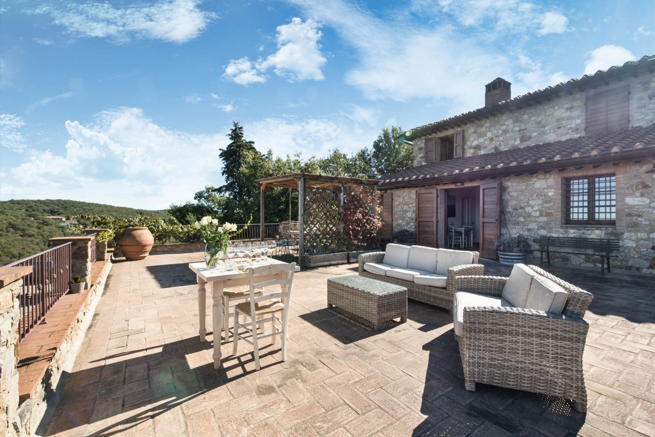 A visit to Poggio Amorelli Estate is one of the best things to do in Tuscany