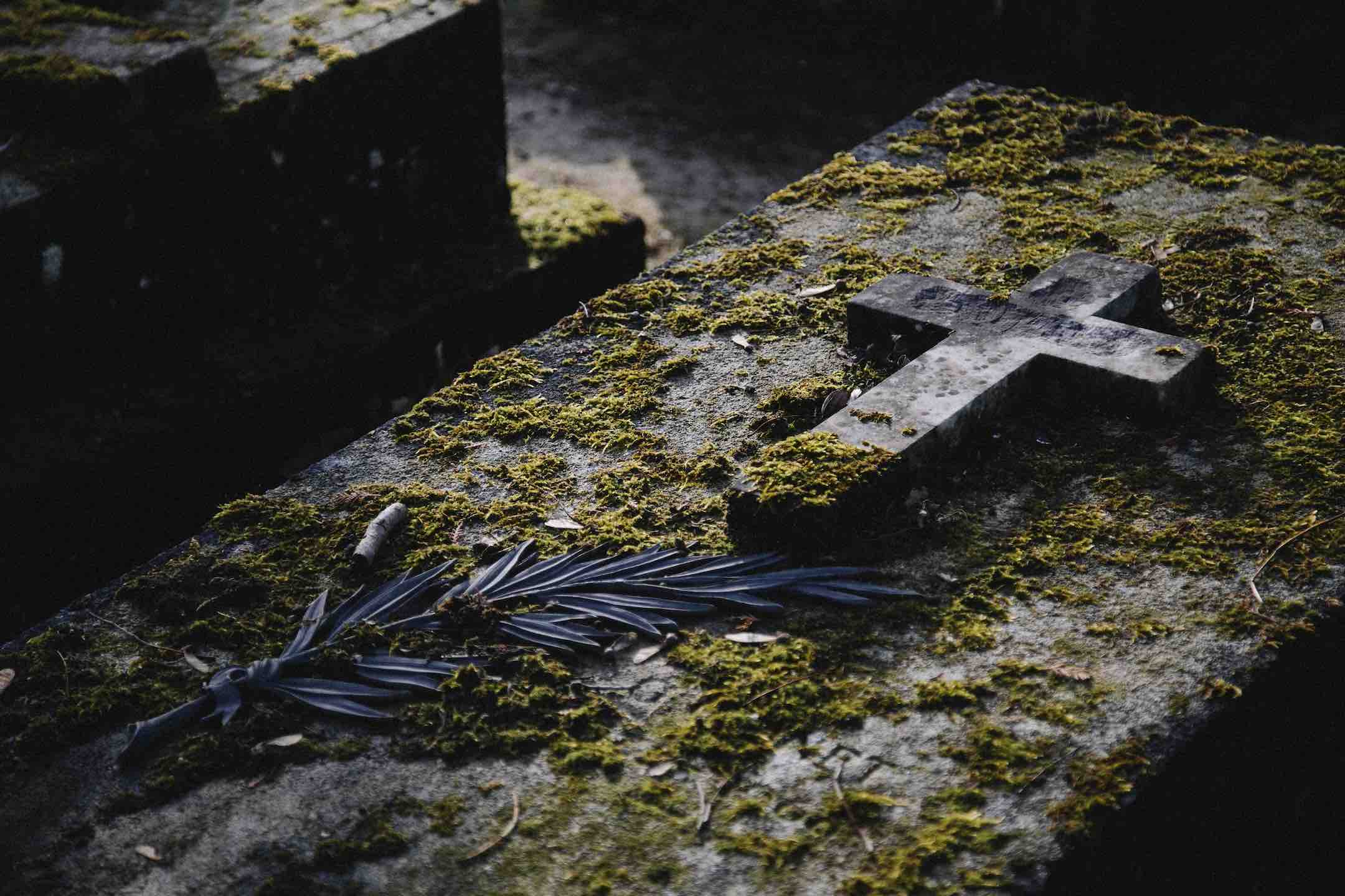The Pére Lachaise Cemetery is the final resting place if many writers kenny-orr-1AVTo_bdHWs-unsplash copy